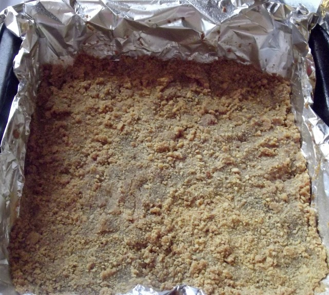 Press pretzel crumbs mixture in the pan.