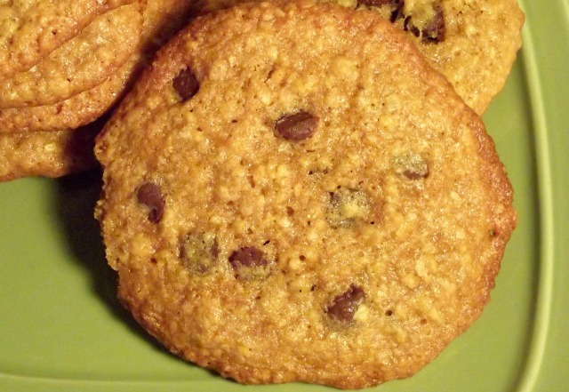 A combo of oatmeal and peanut butter, goes so, well in a cookie .